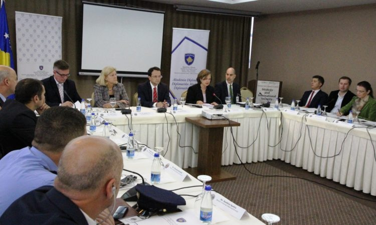 """Chargé d'Affaires Hyland at the """"Strategy and International Security"""" seminar"""